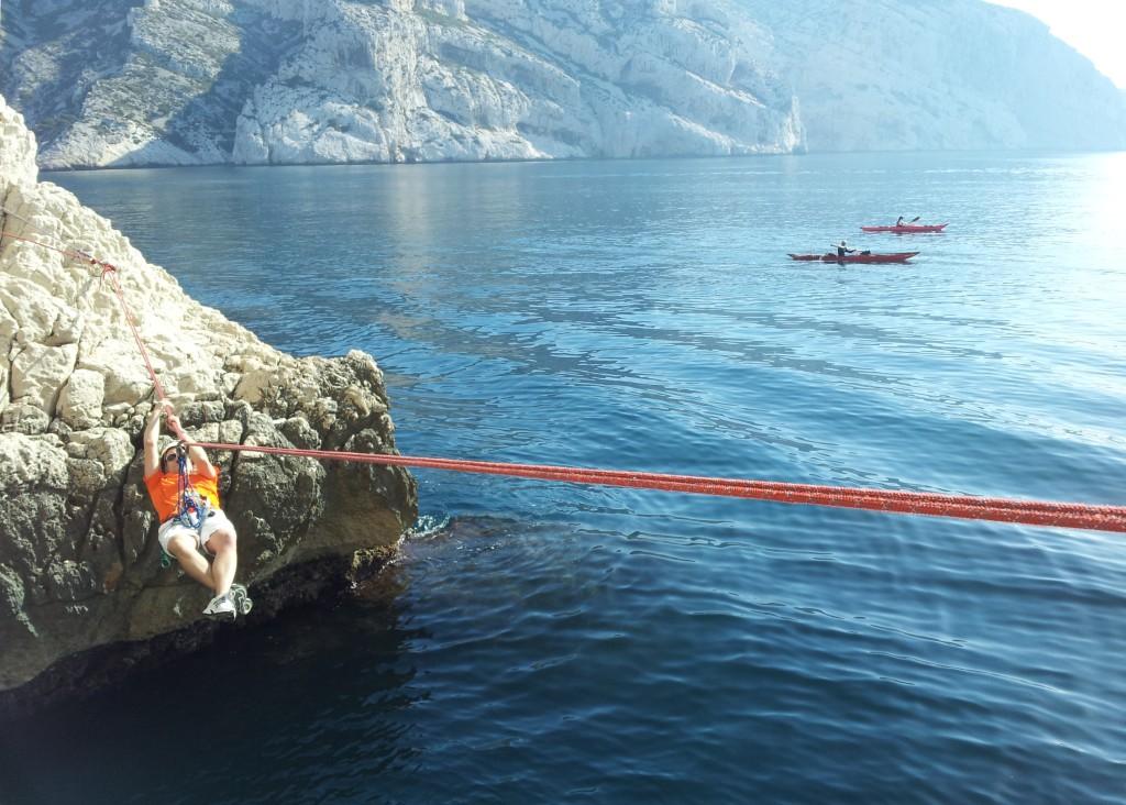 escalade rappel tyrolienne dans les Calanques, via ferrata en région paca
