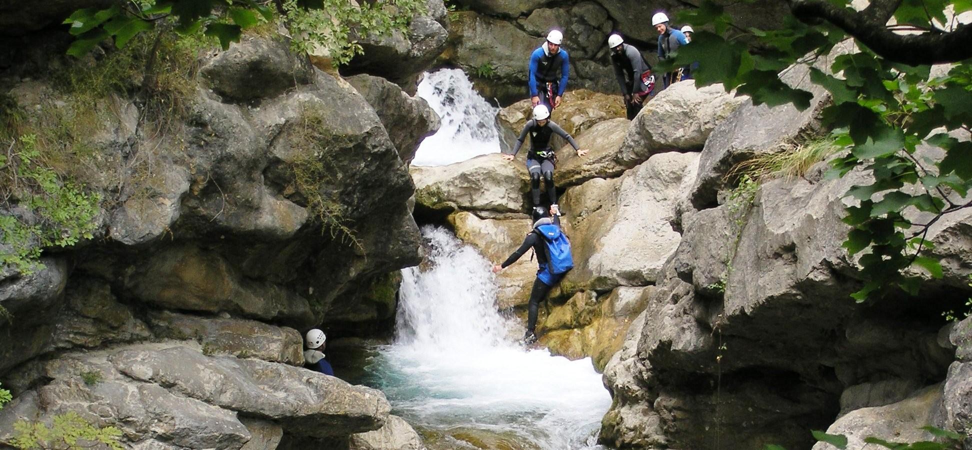 1.canyoning-camp4-2-e1459084622241