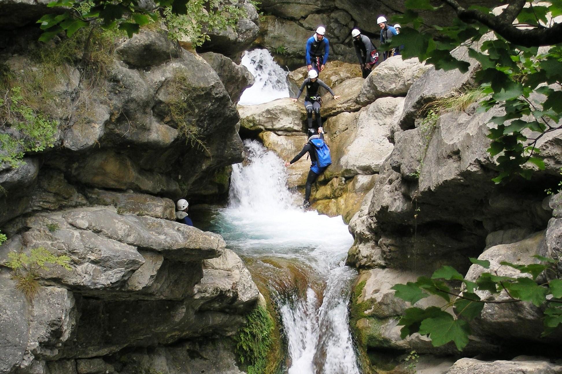 1.canyoning-camp4-e1458647968194